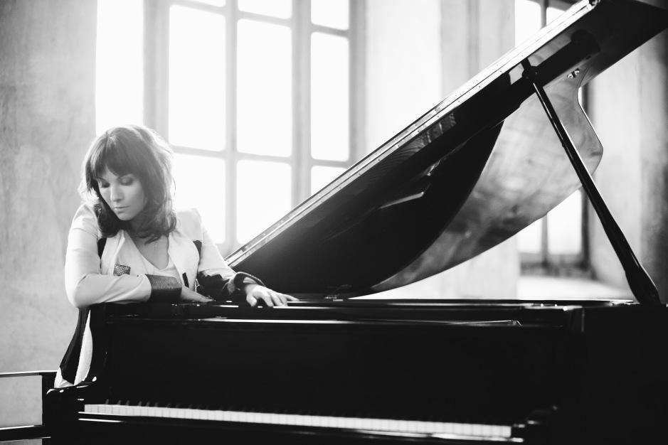TERR - HI RES piano - Credit- Carol Salgado.jpg