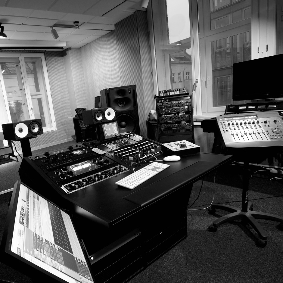 blackhead studios 01